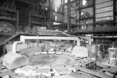 """首条""""双全三连炉""""炼铜生产线投产"""