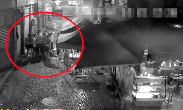 男子劝酒被拒暴打邻桌陌生人 5人涉嫌寻衅滋事被刑拘