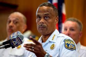 网上发布种族主义帖子,美国数十名警察或将被解雇