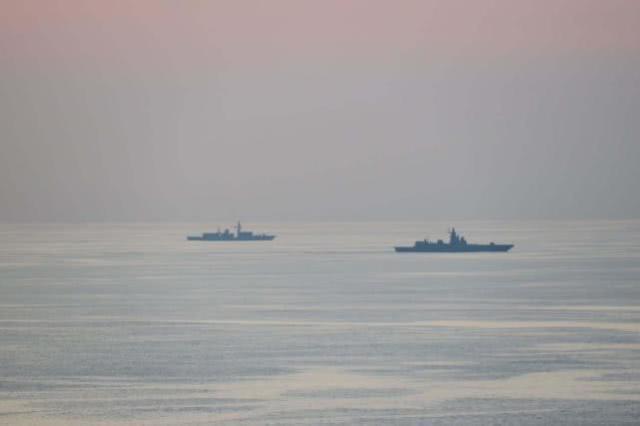 俄海军舰艇编队穿越英吉利海峡 英军出动舰机跟踪监视