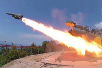 """专打大型舰船!俄军从克里米亚发射""""军舰杀手"""""""