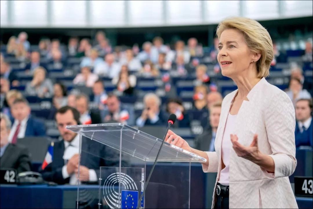 她是家庭主妇,7个孩子的妈,变身欧盟首个女掌门!彪悍人生无需解释