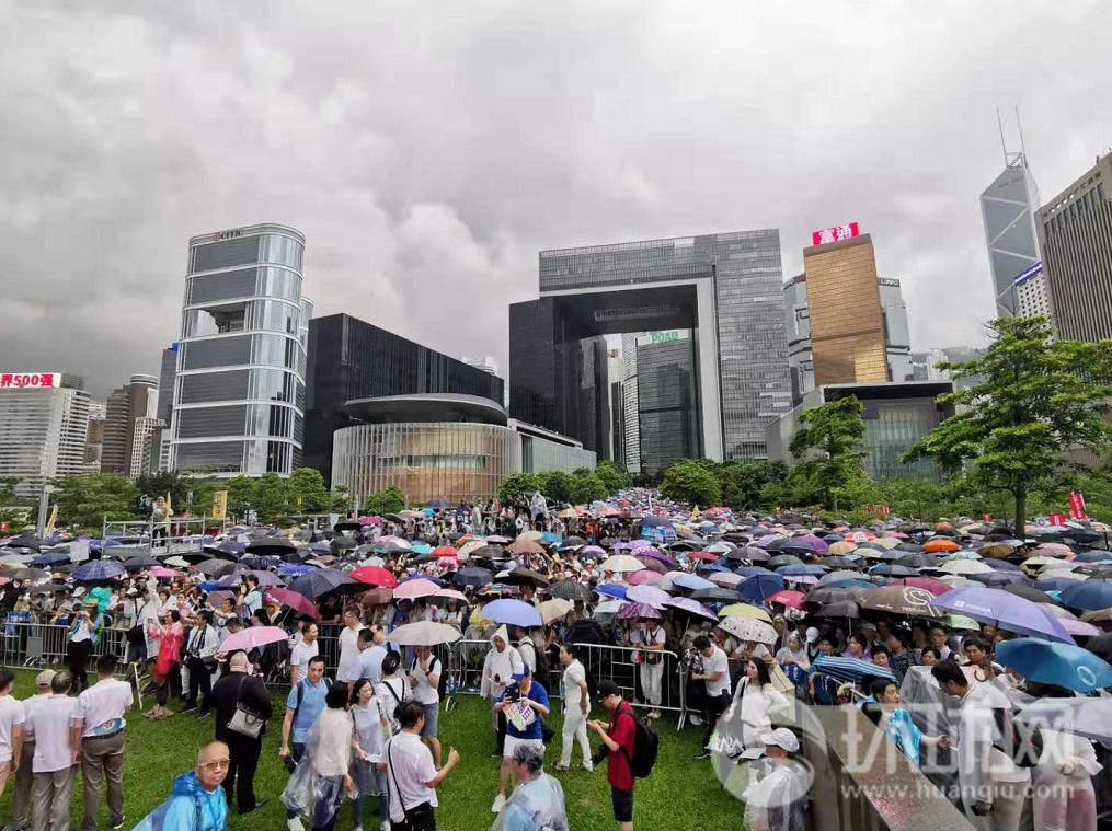 """""""720守护香港""""行动人士集合:护法治,反暴力!"""