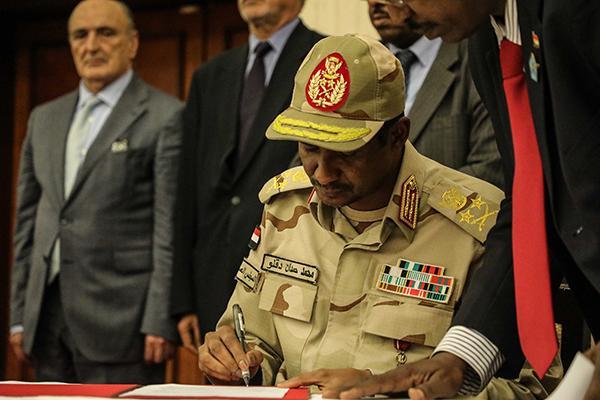 苏丹反对派暂停与军方谈判,与该国多地武装冲突持续有关