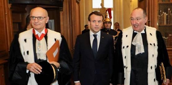 """法国总统府被""""查账"""":预算超支却创收有方"""