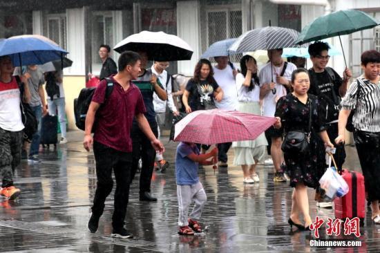 西南东北等地将有较强降雨 华北黄淮等地将现高温天气