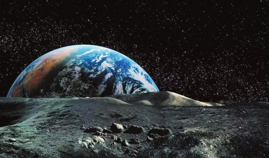 人类登月的故事 将在月球两极续写