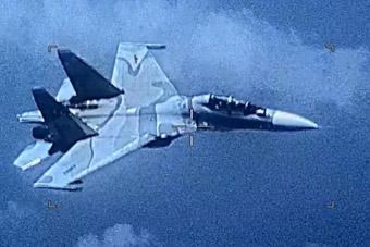 委内瑞拉苏30逼近拦截美侦察机 美军大呼危险!