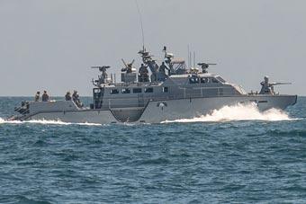 美国海军最小军舰亮相演习 最强火力4挺机枪