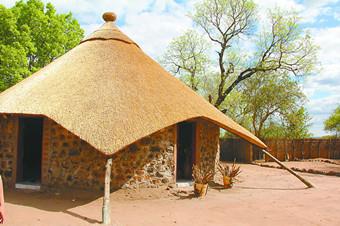 环游 | 走进维多利亚大瀑布边的赞比亚小村