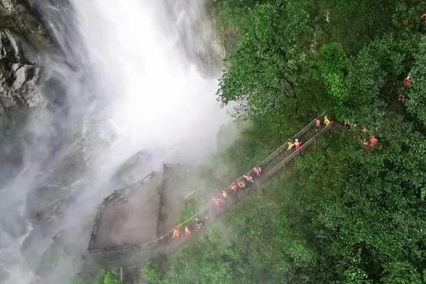 江西突发山洪 118名被困游客全部获救
