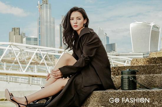 GoFashion携张予曦曝时尚大片 探秘伦敦时尚风格