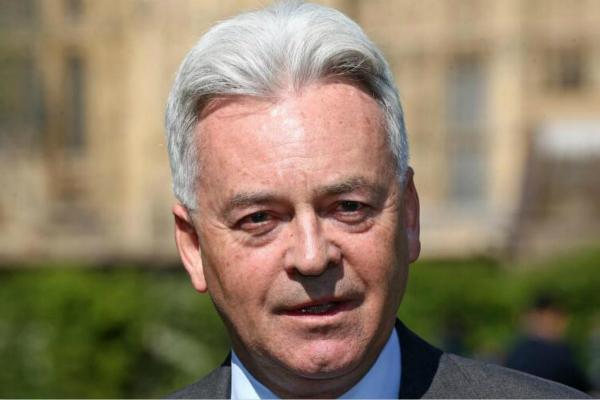 英国新任首相还未揭晓,外交国务大臣突然辞职