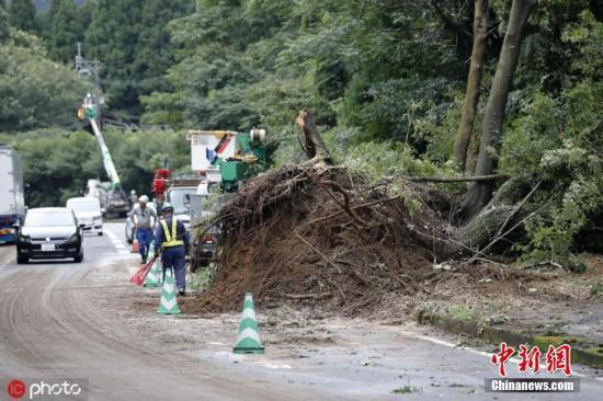 日本九州地区遭遇罕见暴雨 气象厅呼吁保持警惕