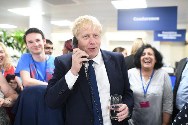鲍里斯和亨特现身英国保守党呼叫中间