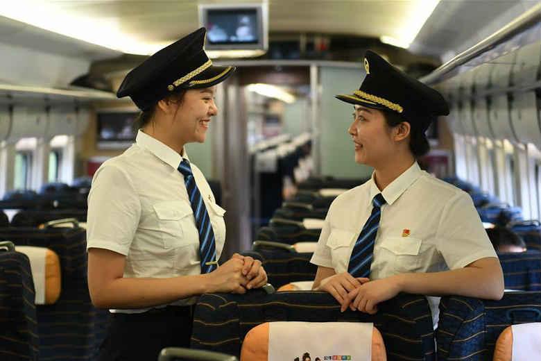 国内铁路将迎来首批女动车组司机