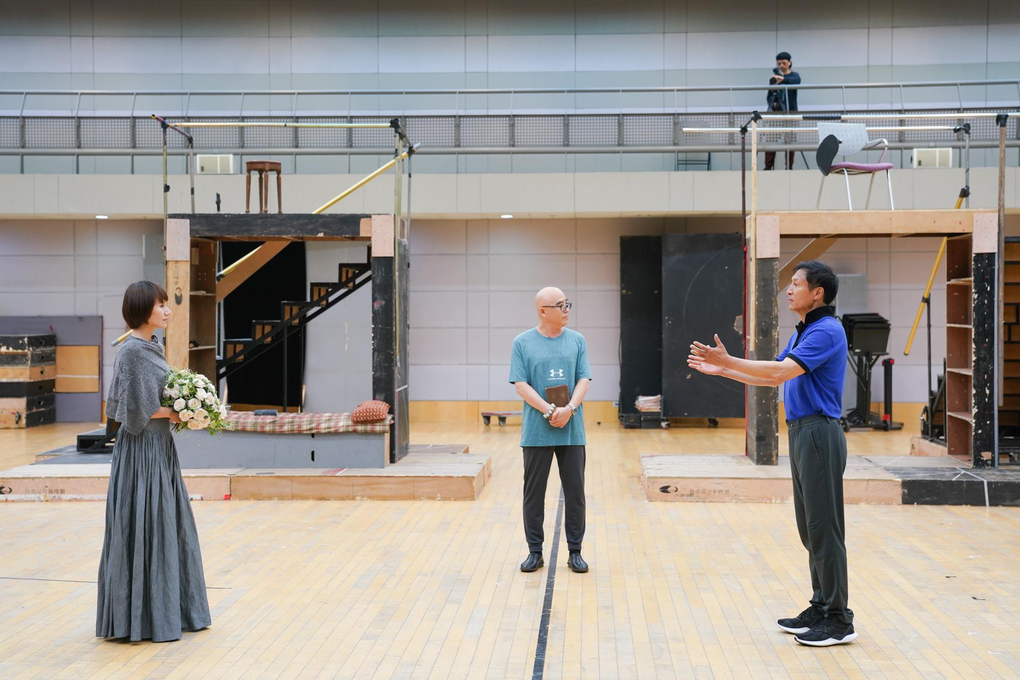 国家大剧院制作话剧《简•爱》十周年纪念演出 袁泉、王洛勇十年搭档默契依旧