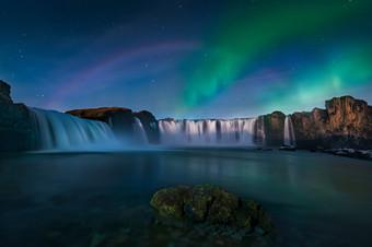 环游 | 到冰岛追一场极光