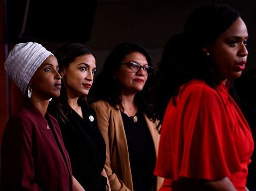 剖析新阿瓦隆熔炉任达华被砍原因特朗普持续批判民主党女议员:年青、缺乏经验,并且不行聪明