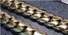 老外手工打造4斤重大金链子