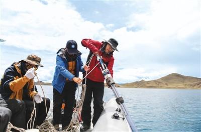 中国科学家首次对羊卓雍错测深
