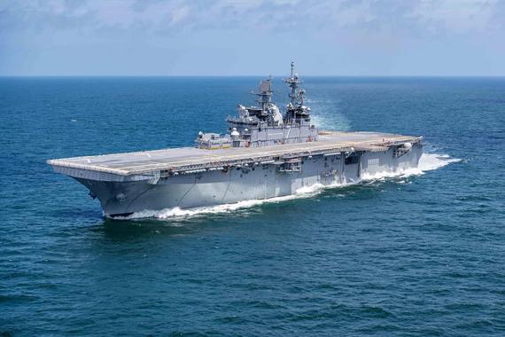 美军最新两栖攻击舰海试 专为F-35改进设计