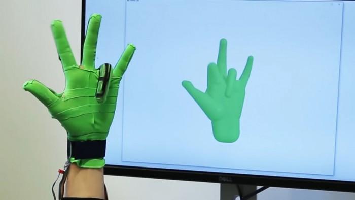 智能手套采用弹力感应技术 实现高度精确手势捕捉