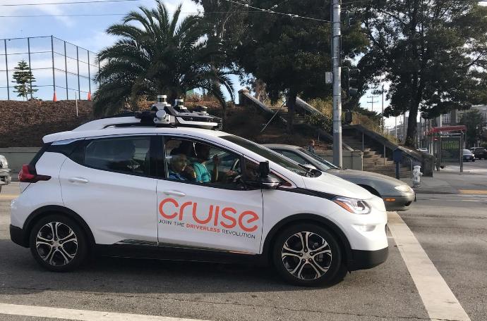 通用Cruise推迟自动驾驶出租车计划 将进行更多测试