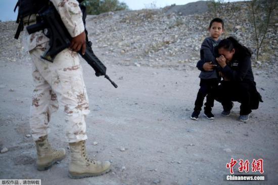 美国公民边境被抓 被释放后点了8个墨西哥玉米卷