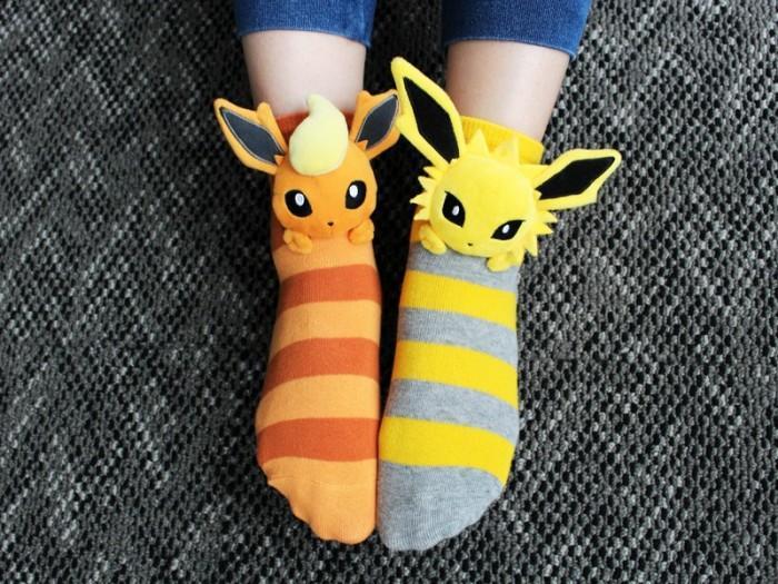 《宝可梦》官方新品袜子 穿上就是最闪耀的训练师
