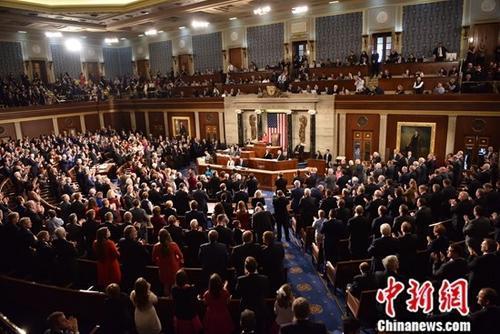 美国众议院通过提高债务上限协议 料将获参院支持