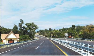 中企高速路东帝汶赢得赞誉 成为东帝汶迈向现代化的标志性工程