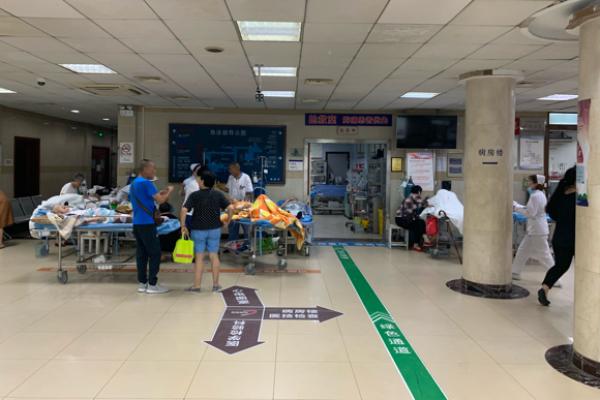 沪一医院2天接4例中暑患者:均为老人,部分因不开空调所致