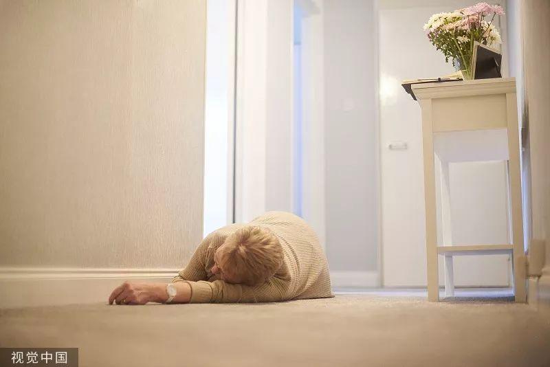 """""""出门旅游就是要受罪的""""?跟团游内蒙古草原,71岁老人猝死"""