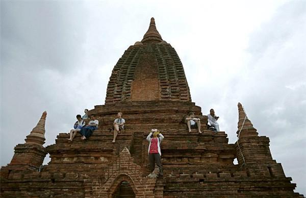 泰剧甜心恋上自傲男人生马戏团粤语高清被列入世界遗产名录后,缅甸蒲甘寺庙制止游客攀爬