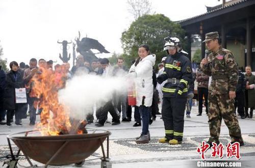 官方:消防审批改革后,10余万公众聚集场所承诺后即可营业