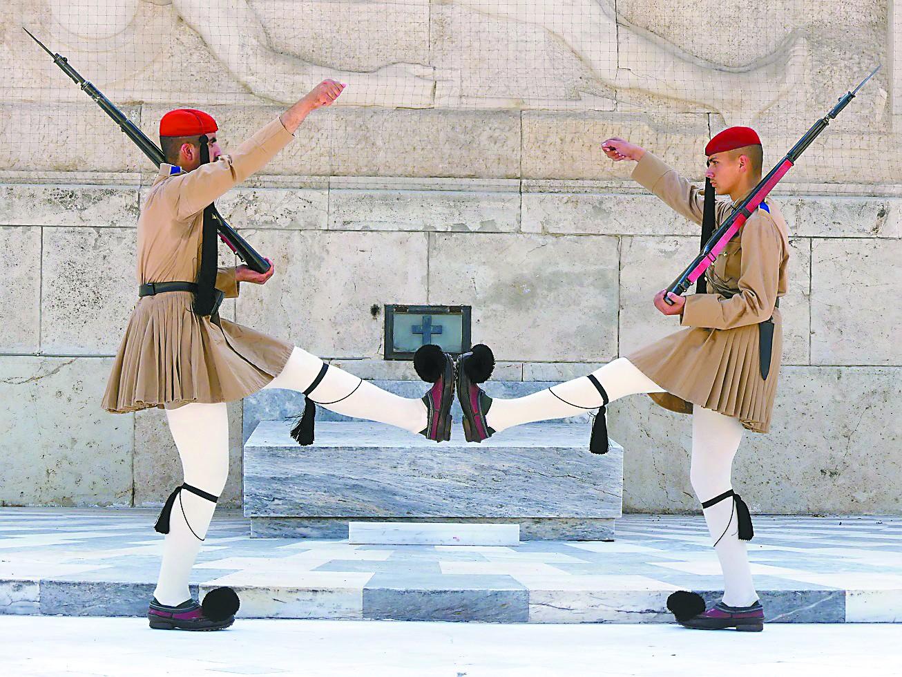 雅典卫兵,希腊旅游圈的网红