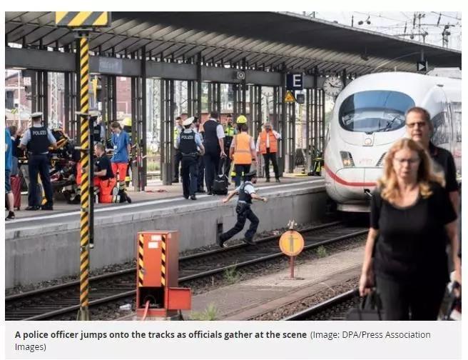 恐怖!德男孩被陌生人推下站台丧命,犯罪嫌疑人被旅客当场制服