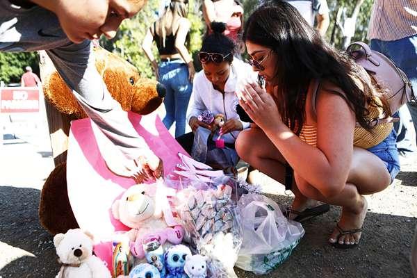 加州枪击案致包括枪手在内4人死亡 民众悼念遇难者