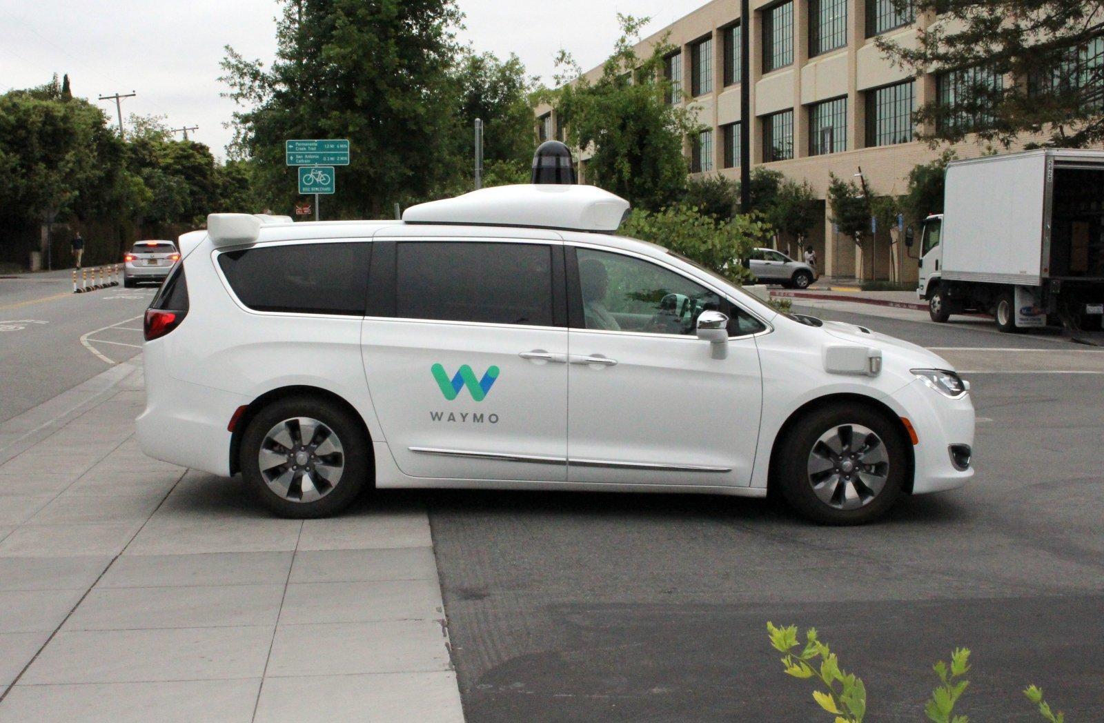 Waymo采用自然法则原理进行自动驾驶训练
