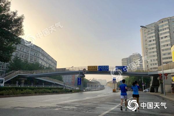 北京连热三天最高温34-35℃ 今天午后山区有雷雨