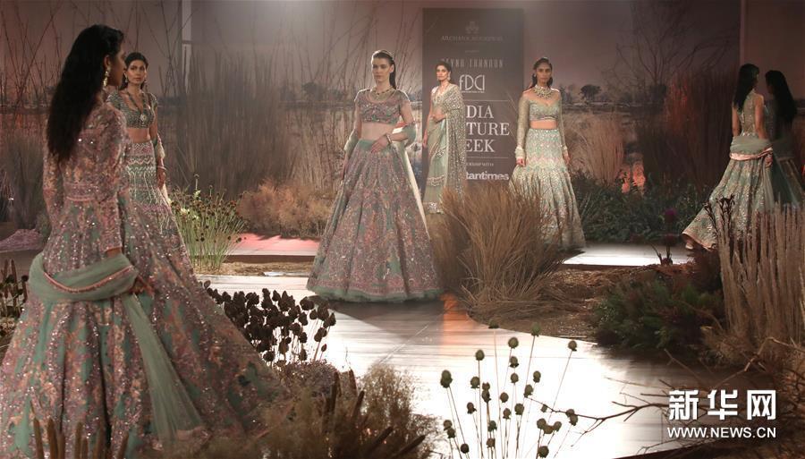 2019印度时装周——设计师莱努·坦东时装秀