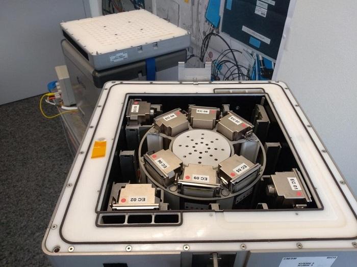 国际空间站迎来首批太空采矿原型实验装置