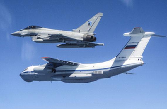 俄军机频频现身波罗的海空域 英空军匆忙拦截
