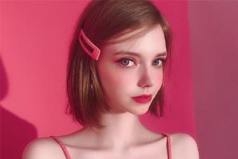 """真人""""芭比娃娃""""这样的女孩又美又甜!"""