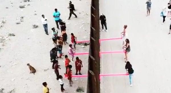"""美墨边境墙跷跷板一天就被拆,美边境官员指其为""""噱头"""""""