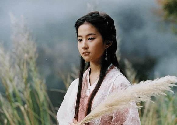 """本以为刘亦菲的古装够仙了!看了她的""""旗袍照"""",网友都沉默了!"""