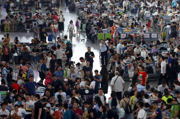 偷枪李敏上海复旦大学博士铁路暑运满月:接连一月日客流超千万,高铁发送旅客增加微弱