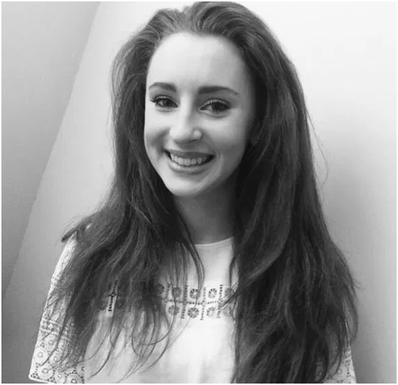 """19岁剑桥女大学生跳飞机自杀身亡,疑因研究项目遇""""瓶颈"""""""
