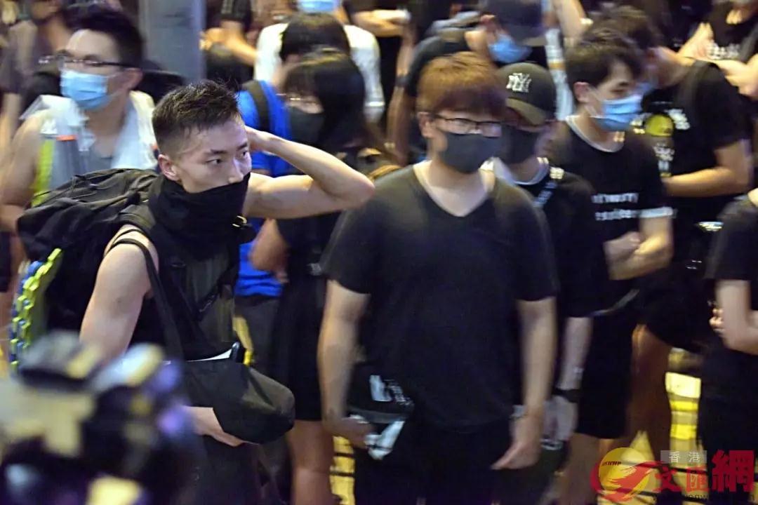 """30多名潛逃至臺灣的香港暴徒,臺當局居然稱他們為""""朋友"""""""